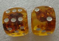 set of 2 Natural honey Baltic Amber dice large 20 mm